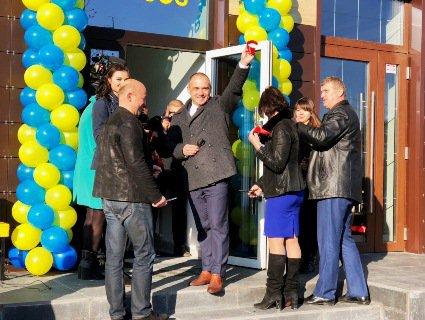 У Луцьку «Укрпошта» відкрила поштове відділення нового формату