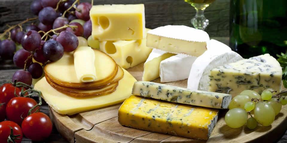 Який сир купити в Італії