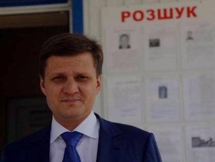 Жадібний нардеп Хлань знімає номер у готелі ради компенсації, а в його жінки – особняк в елітному районі Києва