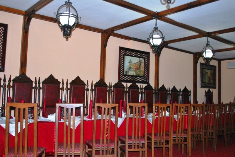 Ресторан «Княжий двір» у Луцьку фото 1