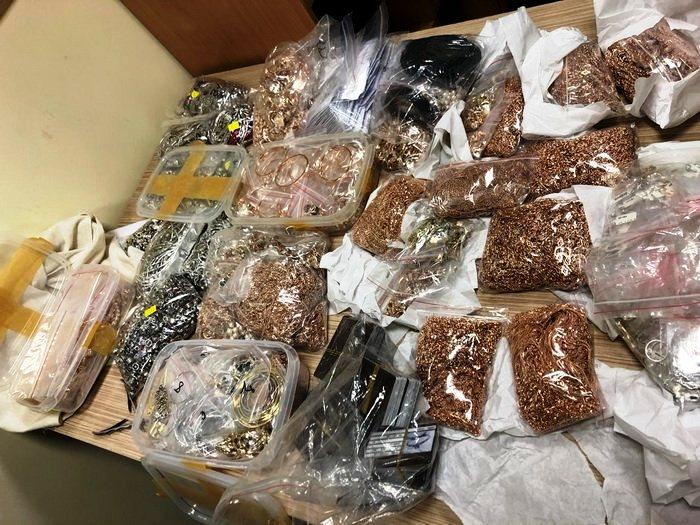 Контрабанда ювелірних виробів із золота у Львові фото 1
