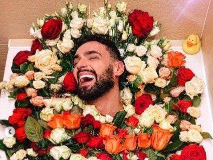 Віталій Козловський збожеволів: артист покидає сцену і йде в продавці квітів