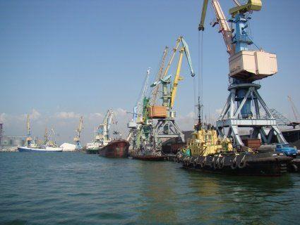 Росія дала задній хід: частково розблокувала прохід українських суден в Азовському морі