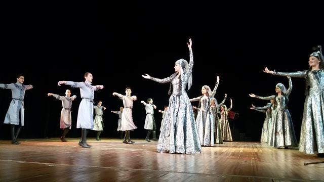 Виступ грузинського ансамблю пісні і танцю «Горі» у Луцьку фото 2