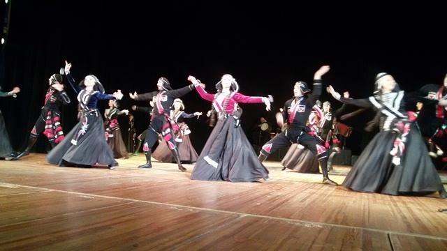 Виступ грузинського ансамблю пісні і танцю «Горі» у Луцьку фото 4