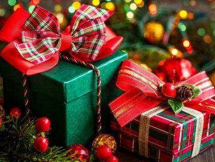 Солодощі, «Зоряне небо», іграшки на ялинку: що подарувати рідним, друзям та коханим на Новий рік?