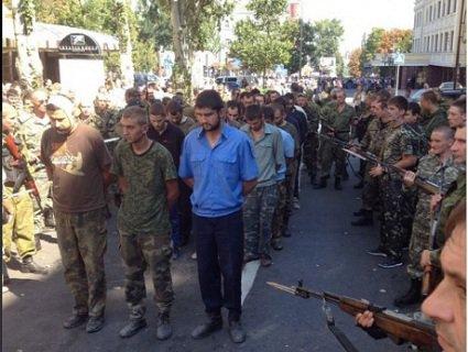 АТОвець з Волині розповів про жахіття «параду полонених» у Донецьку
