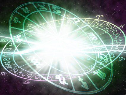Ексклюзивний гороскоп на сьогодні: Стрільці зустрінуть нове кохання, а Водолії відчують розчарування