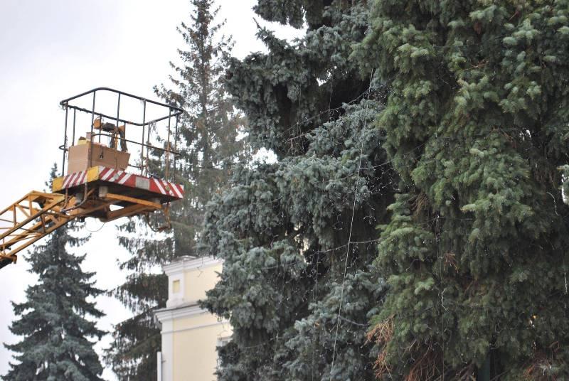 Луцьк новорічна ялинка Театральна площа фото 2