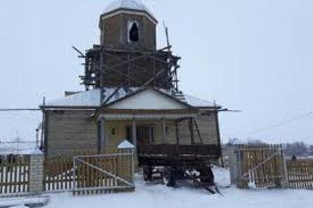Нічого святого: росіянин, одівши церковну рясу, розстріляв ікони