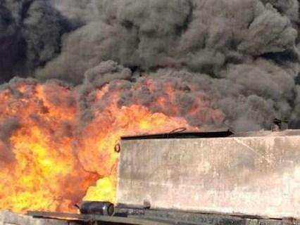 На Львівщині горить резервуар з нафтою