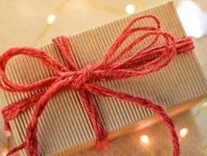 Канадець 50 років не наважувався відкрити подарунок від коханої