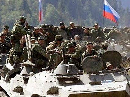 Росія знову стягує війська до кордону з Україною