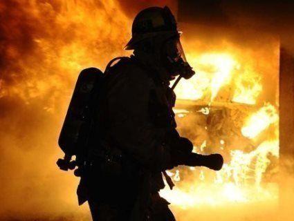 В Одесі через сильну пожежу вулицю затягнуло димом