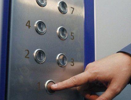 У Луцькраді повідомили, кому першочергово відремонтують ліфти
