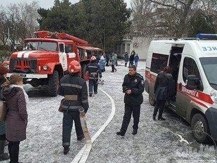 Отруїли в школі: на Одещині учні потрапили до лікарні через розпилення небезпечного газу