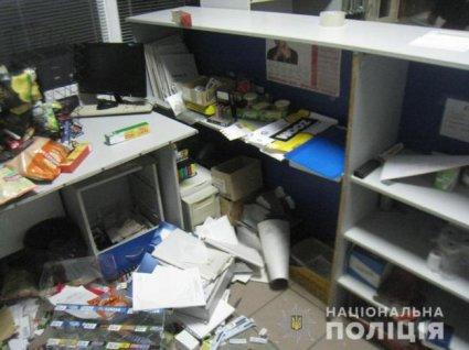 Банда з битами напала на АЗС на Рівненщині фото 4