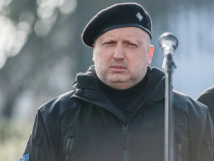 Турчинов пригрозив Кремлю гахнути по Керченському мосту ракетою