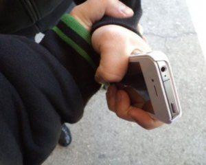 У Києві поліцейський обікрав 12-річну дівчину