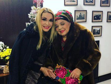 В кого доця вдалася: мама Ольги Сумської в свої 84 вміє себе яскраво подати