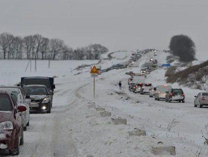«Укравтодор» попереджає про небезпеку на дорогах у більшості областей