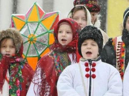 Свята в Україні: коли потрібно колядувати, а коли – щедрувати