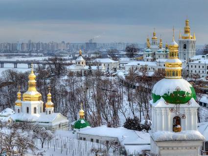 Московські попи повивозили із Києво-Печерської лаври цінні ікони (відео)