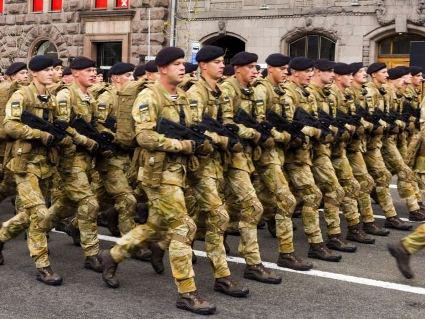 Стало відомо, коли українська армія перейде на стандарти НАТО