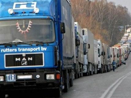 Від завтра Польща не буде пропускати вантажівки у трьох пунктах пропуску