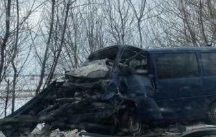 На трасі Луцьк-Ковель смертельна аварія: авто зіткнулися  «лоб в лоб» (фото)