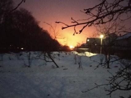 Виникла масштабна пожежа на олійному заводі на Львівщині (відео)