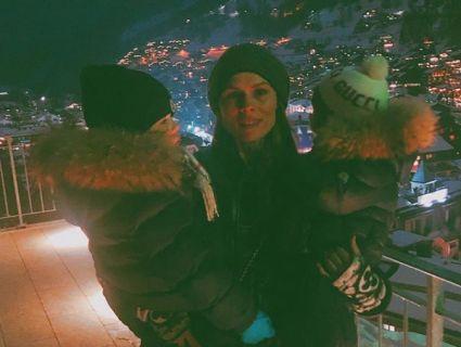 Ольга Фреймут похвалилась, як її меншенькі «катають» на лижах (фото)