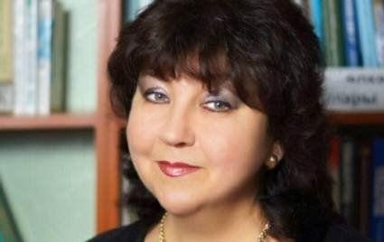Під час концерту на сцені померла відома татарська співачка (відео)