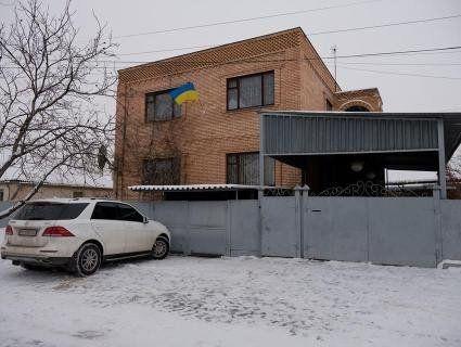Півмільйона гривень у кишеню: як українські чиновники наживаються на переселенцях