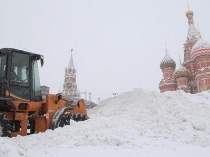 Небесна кара: на Москву налетіла грандіозна сніжно-крижана буря (відео)