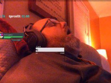 Стрімер заробив купу грошей, бо заснув в онлайні