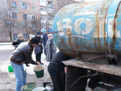 Обвалився колектор: 120000 бердянців третю добу без води через аварію в каналізації