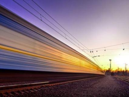 «В армію, щоб мізки вставили»: у Рівному підлітки для розваги лягли під потяг (відео)