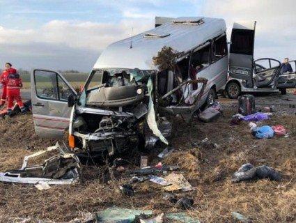Масштабна ДТП під Одесою: одна людина загинула, 13 – травмовані
