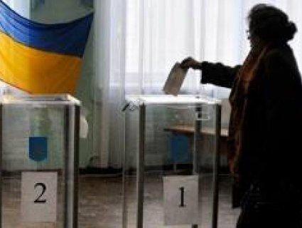 Гнап і Соловйов в строю: ЦВК зареєструвала 44 кандидати в президенти