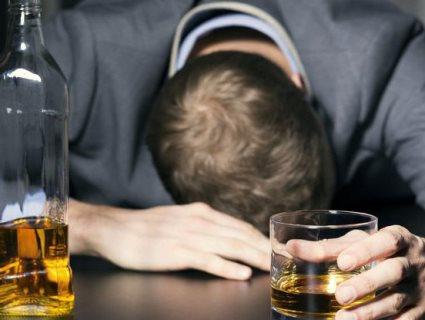 Який алкогольний напій назвали найнебезпечнішим через швидку залежність (відео)