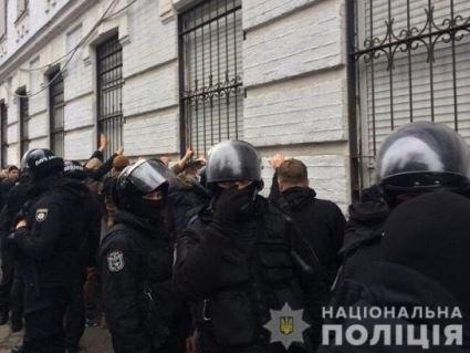Стало відомо, хто наказав затримати активістів під час штурму управління поліції (відео)