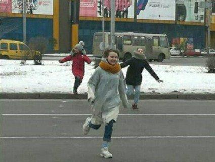 «Біжи або помри!»: у київських підлітків з'явилася нова смертельно небезпечна гра