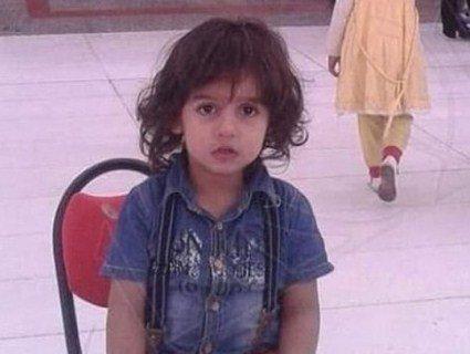 У Саудівській Аравії таксист виволік з машини і обезголовив шестирічного сина пасажирки (фото)