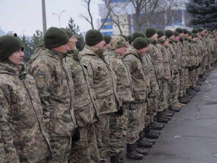 Колють укол і везуть на вокзал: з 56-ї бригади видворяють хворих на кір солдатів