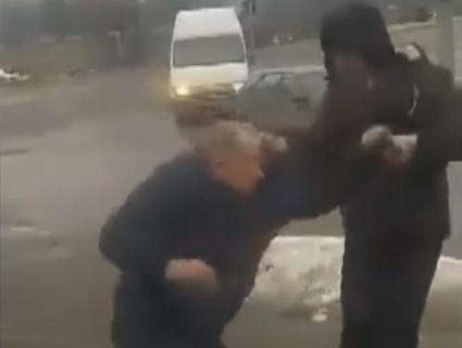 У Чернівцях водій маршрутки побив ветерана АТО і витурив з автобуса (відео)