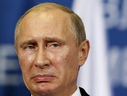 «Шкода що не шию»: Путін зламав палець (відео)
