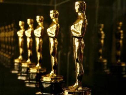 Клуні,  де Ніро, Скорсезе,  Тарантіно та інші голлівудські зірки образились на «Оскара» (відео)