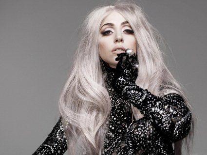 Леді Гага, накачавшись алкоголем, наколола «криве» тату (фото)