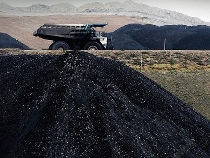 У 800 разів більше: Білорусь вугілля бойовиків продає Україні
